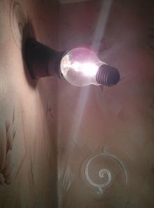 невероятната електрическа крушка / incredible light bulb